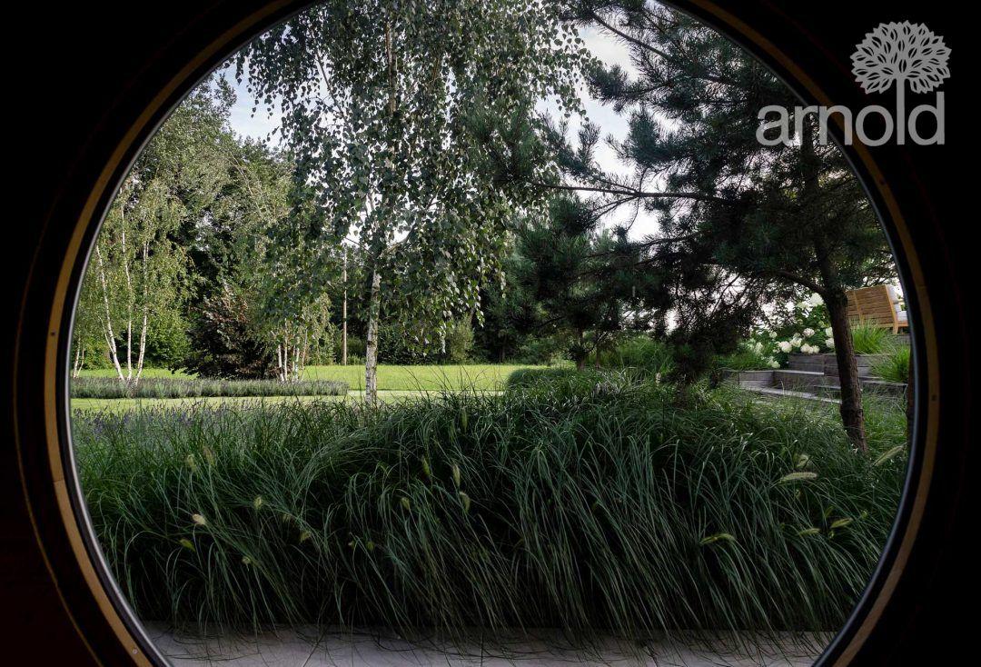 laendliches-garten-idyll-mit-graeserlandschaft-06